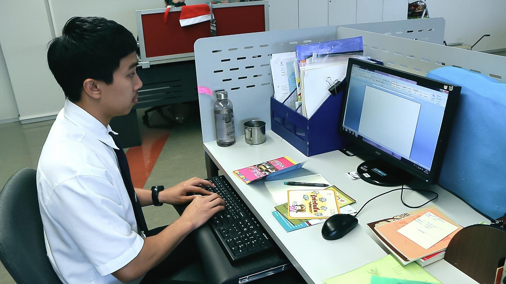 สหกิจศึกษา ภาษาอังกฤษธุรกิจ คณะศิลปศาสตร์ มหาวิทยาลัยศรีปทุม -Thai PBS 02